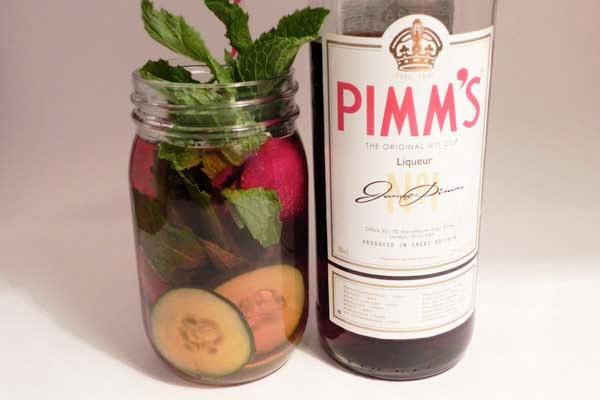 Pimms mason jar cocktail